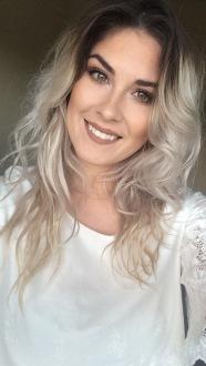 Erica Lange_Headshot